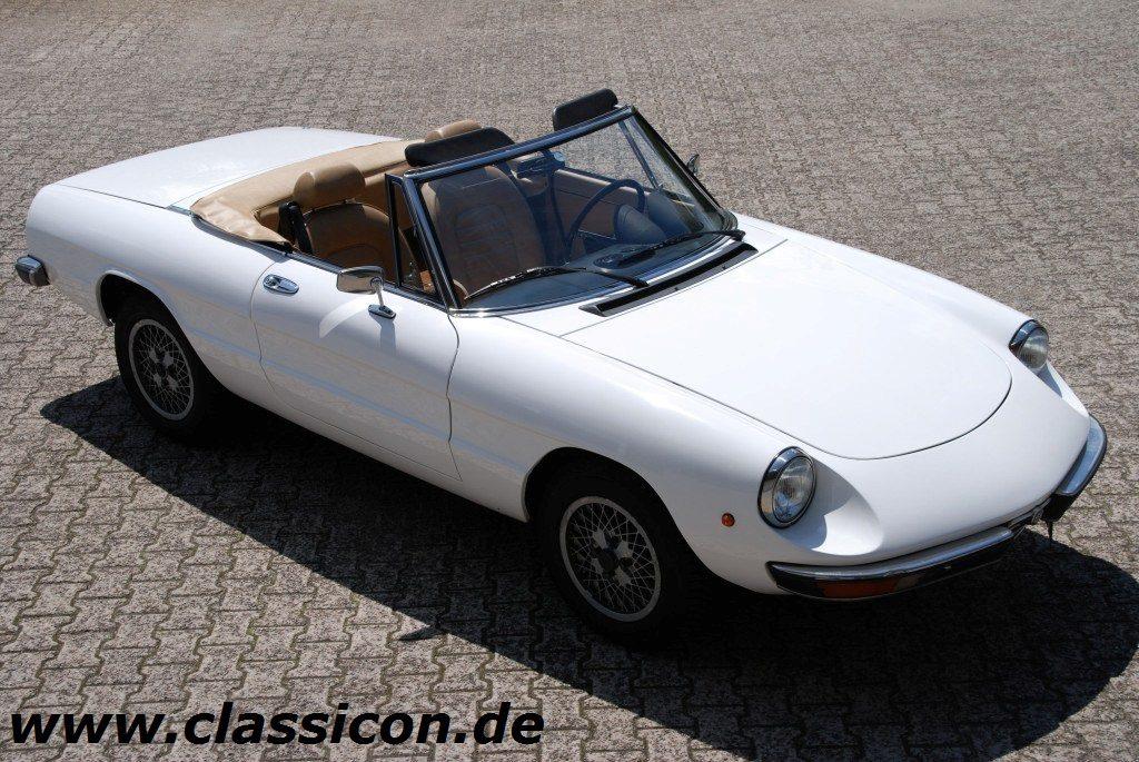 1982 alfa romeo spider 2000 veloce classicon for Interieur alfa spider 2000